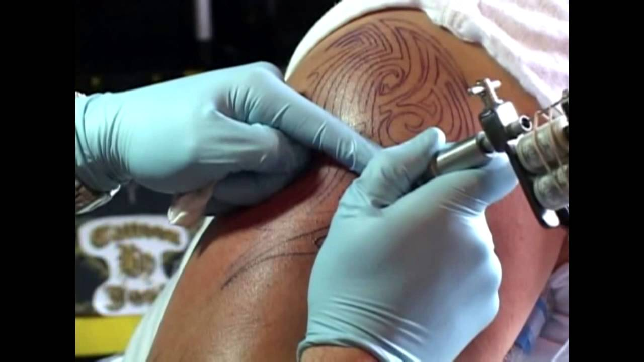 The beginners guide to tattooing youtube for Tattoo for beginners