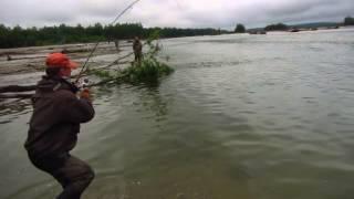 Рыбалка в Магадане 2015    ловля Кеты(Рыбалка на реке Яна в Магадане 2015., 2015-09-06T17:30:07.000Z)