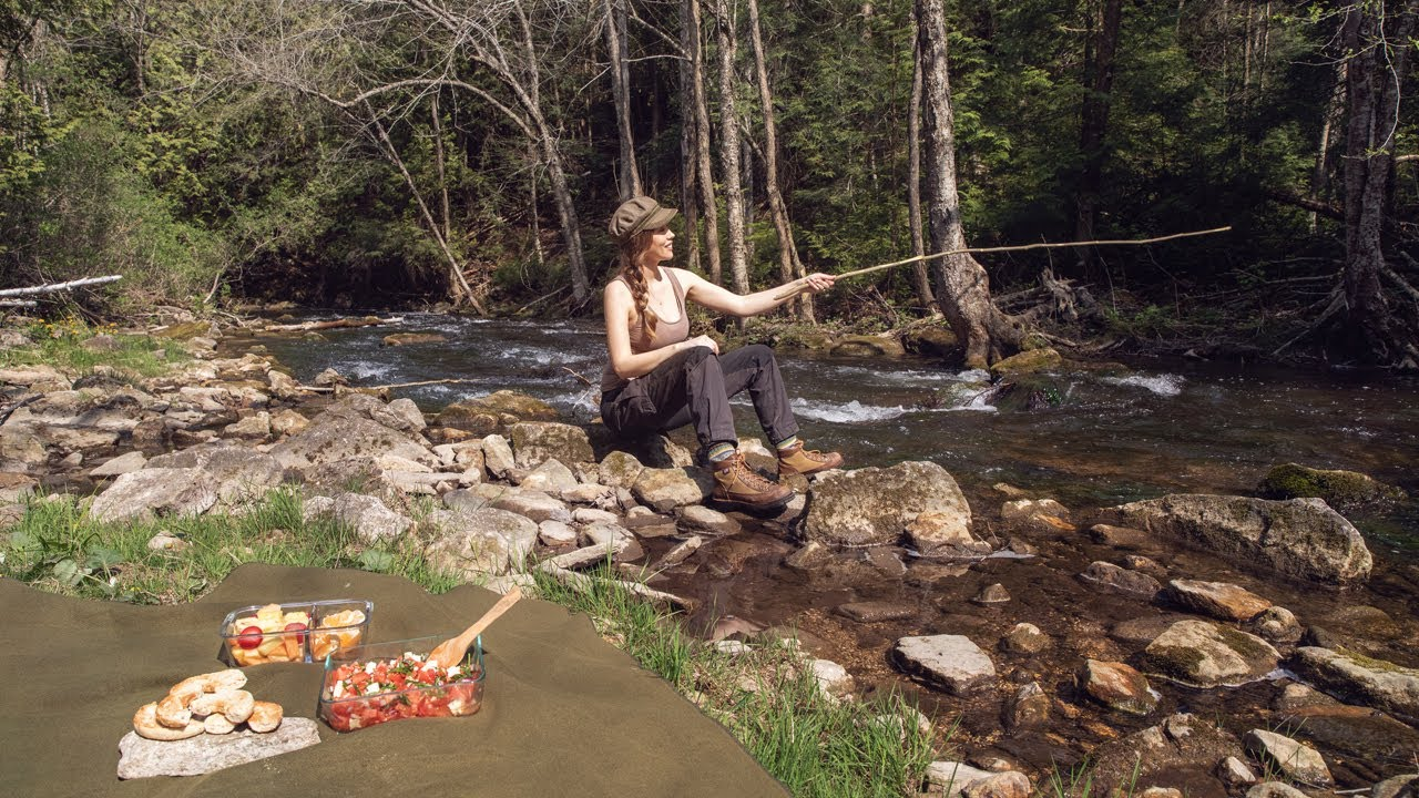 Bushcraft Tenkara Trout Fishing: Catch & Release - Day Hike & Picnic with the Timbers