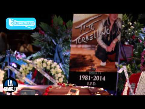 Servicios funebres al cantante Tito el Torbellino en  Celebrity Theatre Phoenix Arizona