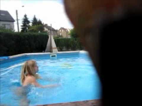 Moi A La Piscine moi dans ma piscine - youtube