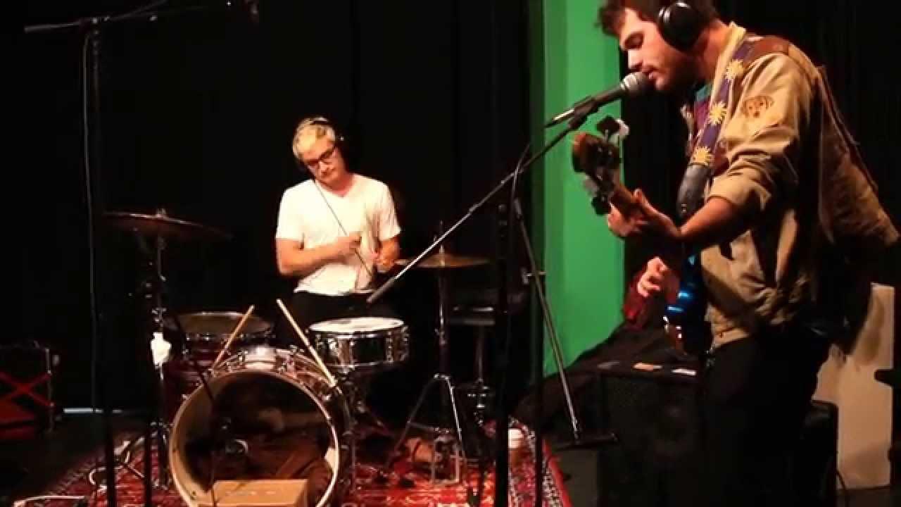 krill-mom-live-at-wvau-wvau-video