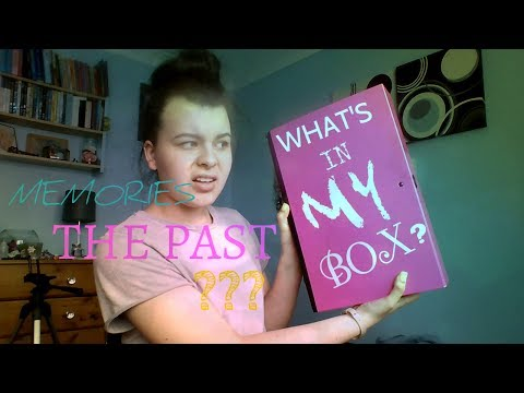 WHAT'S IN MY BOX!? - (Memories,the past,Primary school?) 😱