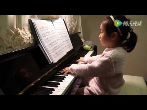 Anak Kecil Yang Main Piano