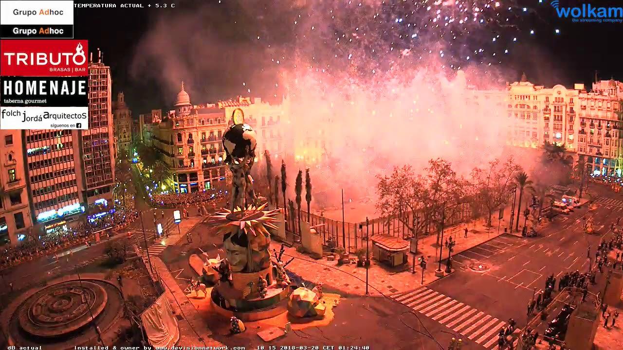 Crema Fallas 2018 Valencia En Directo Plaza Ayuntamiento By Wolkam Com