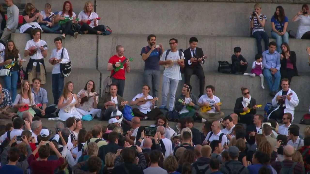 Ukulele Flash Mob Lion Sleeps Tonight By The Lions In Trafalgar Square London Official Video Youtube