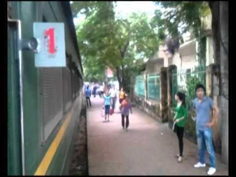 Bình đưa ra Ga Yên Bái 20-23-9-2012.avi