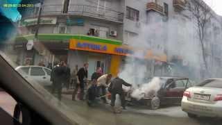 Fire in car 05.04.13. Пожар на Пушкинской - удалось отстоять Фольксваген.