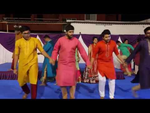 family dance-Aey dill laya hai bahar
