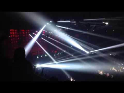 Motley Crue Milano 2015 Dr.Feelgood+Kickstart My Heart (Spectacular ...