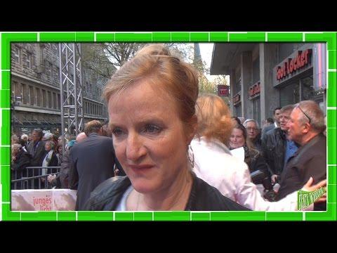 JUNGES LICHT: NINA PETRI  ROMAN UNBEKANNT