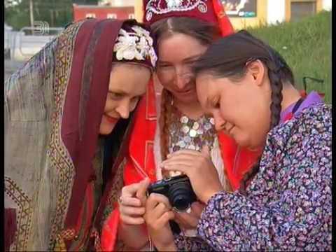 Бабушкин гардероб снова в тренде. Башкирские модницы запустили национальный флешмоб