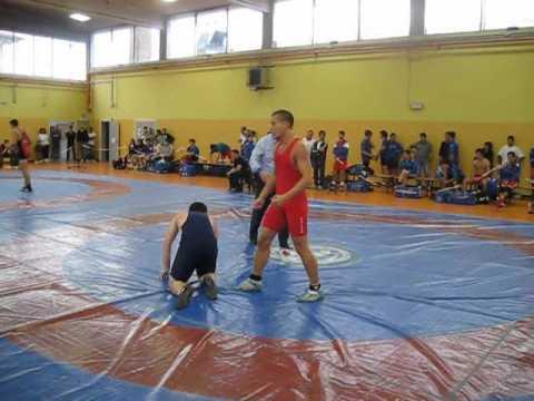 ROVESCIATA DA 5 PUNTI ! ai regionali assoluti di lotta greco-romana 2010