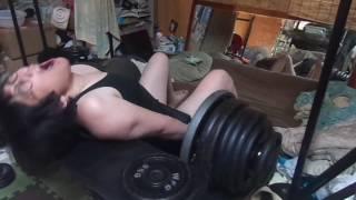 ヒップスラスト240kg8 250kg2 256kg1 bb hip thrusts 529 lbs 8 reps 551 lbs 2 reps 564 lbs 1 reps