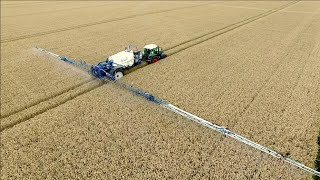 Spraying winter wheat | FENDT 415 vario & Delvano trailed sprayer | Vrolijk Landbouw