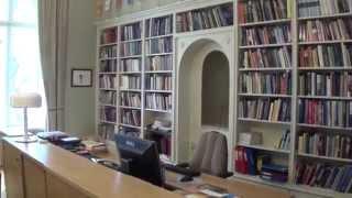 Arkkipiispan virka-asunnossa