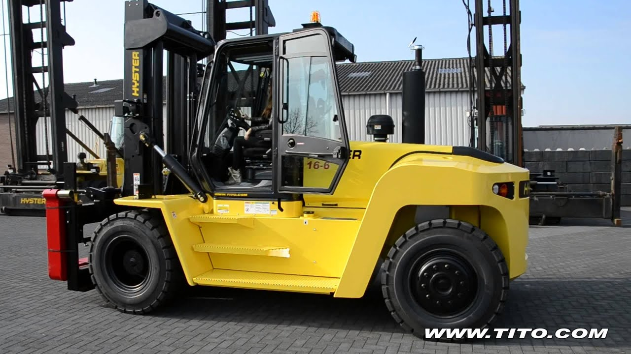 tito com // Hyster H16XM-6 driven by a young lady (16 ton forklift)