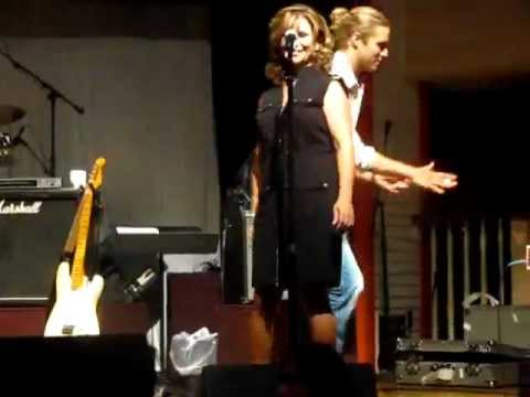 Casey James jams with The Buckaroos at Bucks Owens Crystal Palace on Too Sweet for Me