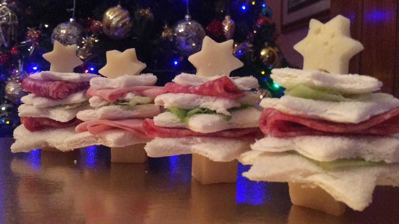 Antipasti Di Natale Divertenti.Antipasti Di Natale Alberelli Con Pane Da Tramezzini Ricette Natalizie Facili E Veloci