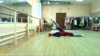 Разогрев перед занятиями балетом, партерная гимнастика.
