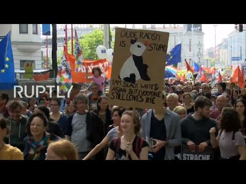 LIVE: Anti-nationalist protest hits Vienna amid government's alleged corruption scandal
