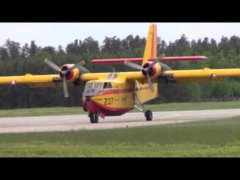 Gouv. du Québec | Canadair CL-215 landing & taxiing | C-GFQB | Val-d