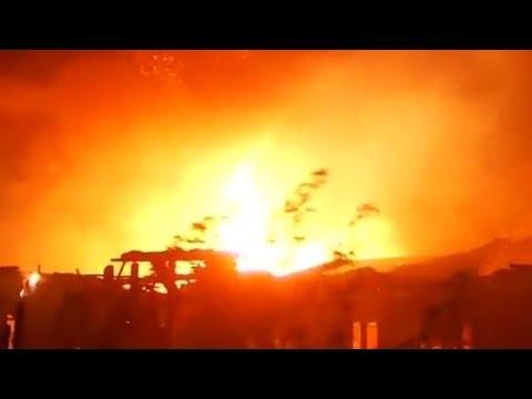 Wildfires sweep through Malibu, California as residents evacuate Mp3