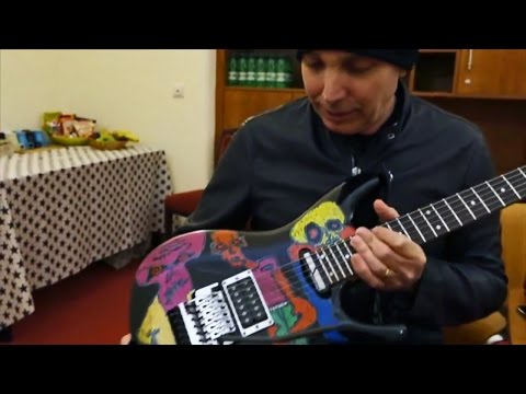 Joe Satriani presents his Ibanez JS25ART - Shockwave tour 2015