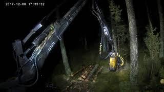 Ponsse Beaver h53 zewnętrzne efekty specjalne (19:00 minuta wycinanie klina harwesterem)