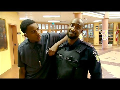 Friendly race between Ontario officer, student goes viral