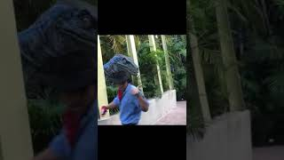 Jurassic Park Raptor encounter at Universal Studios Orlando ... Hilarious Video