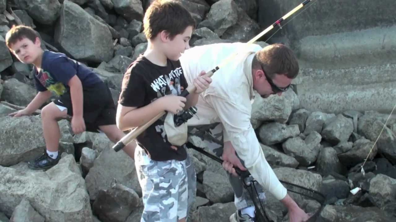 Lake red rock fishing part 1 big catfish in the river 6 for Iowa out of state fishing license
