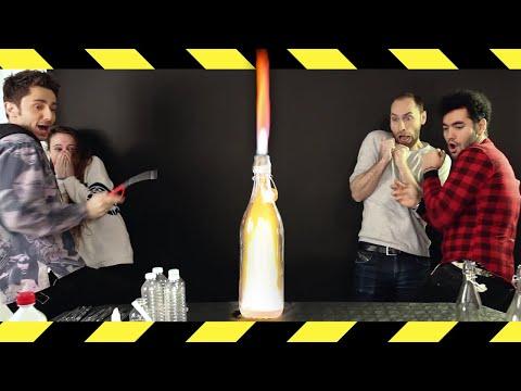 EXPÉRIENCE DANGEREUSE ! ÉNORME FLAMME DANS UNE BOUTEILLE ! thumbnail