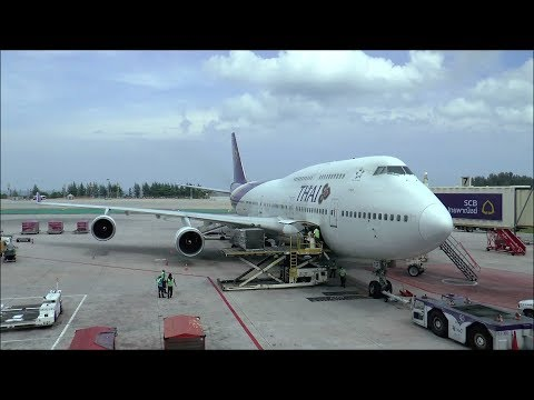 Thai Airways Boeing 747 awesome flight from Phuket to Bangkok