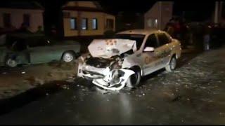 Фото Страшное ДТП в Волгограде: пьяный водитель протаранил такси и убил ребенка