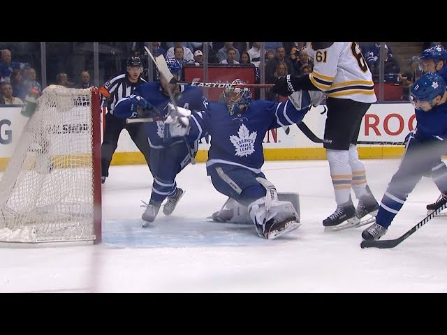 Frederik Andersen makes another jaw-dropping save
