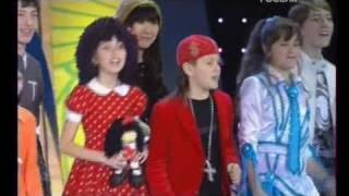 Детская Новая Волна 2008 - Песенка (показ мод В. Юдашкина)