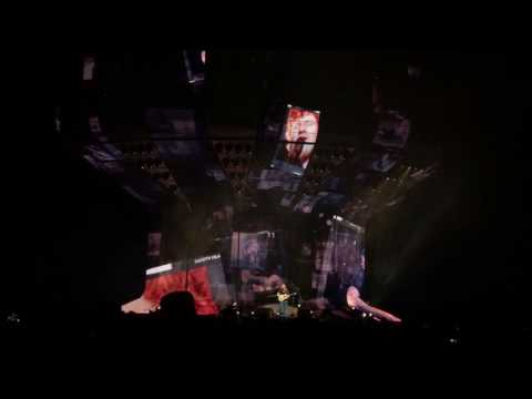 Ed Sheeran (Divide Tour) - Portland - 009