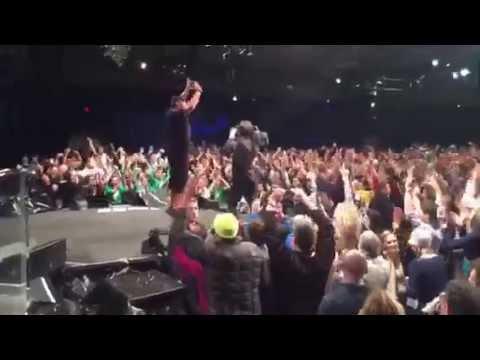 Tony Robbins Live London Upw 2015 Youtube