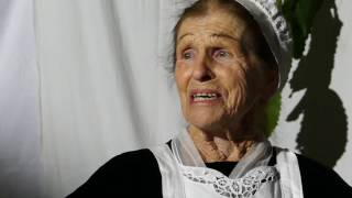 Reconstitution de noce : Suzanne Dréan chante l'air à faire pleurer la mariée