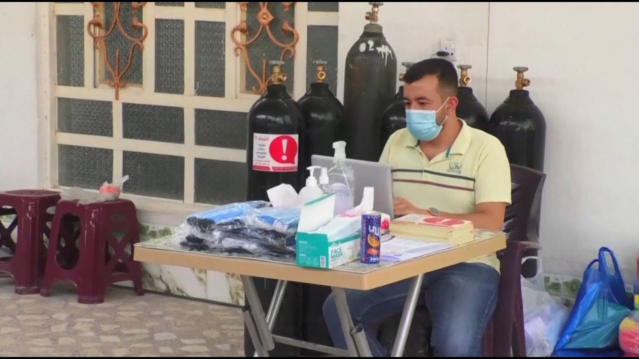 متطوعون عراقيون يوصلون إمدادات طبية لمرضى كورونا