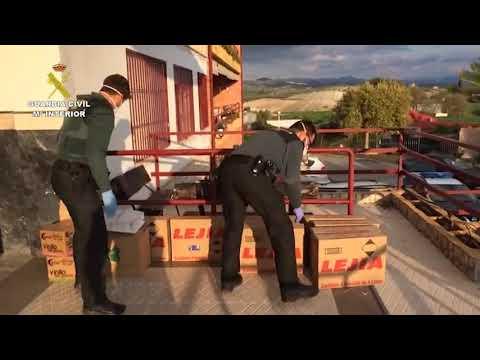La Guardia Civil lleva material sanitario y de necesidad a la Residencia de San Rafael de Montilla