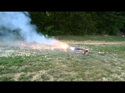 BURNING AN OLD MAGNESIUM CHAINSAW AND ADDING WATER! BIG FIREWORKS!