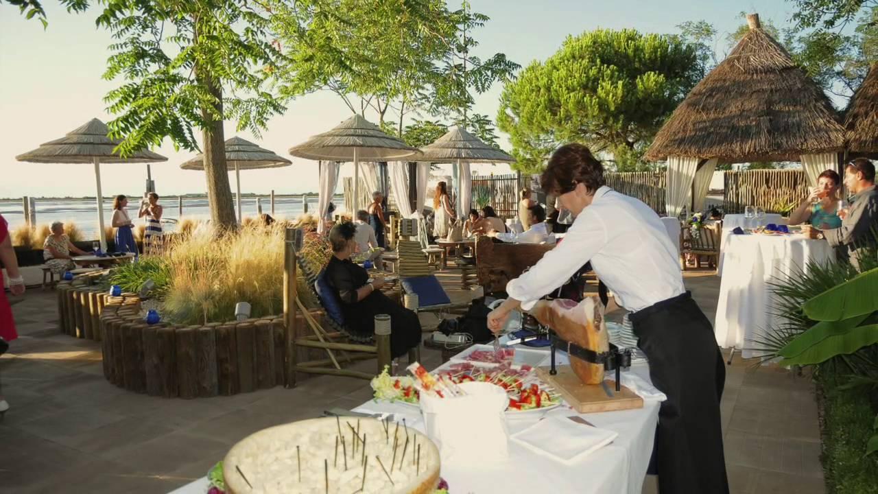 Matrimonio Spiaggia Bibione : Matrimonio al mare ristorante ai casoni bibione ve youtube