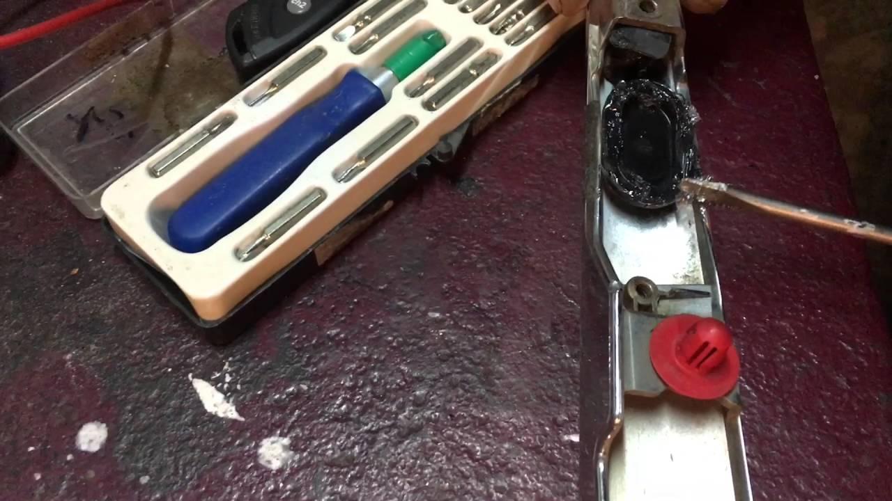 Стойки крышки багажника на 3110 от опеля омеги