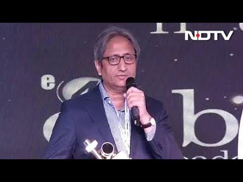 NDTV और हमारी पत्रकारिता भीड़ से अलग खड़ी है : रवीश कुमार