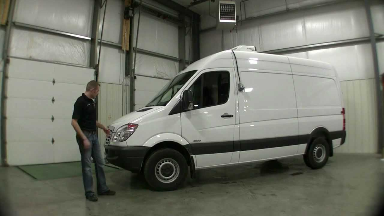 Refrigerated Freightliner Sprinter Van With FG Kit And Thermo King For Sale
