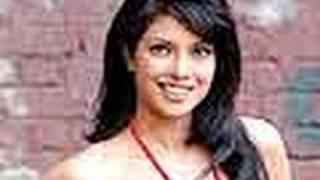 Maafi For Priyanka Chopra's 7 Khoon Maaf - Bollywood News