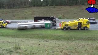 Vrachtwagen met geitenmelk kantelt op A1 bij Kootwijk.