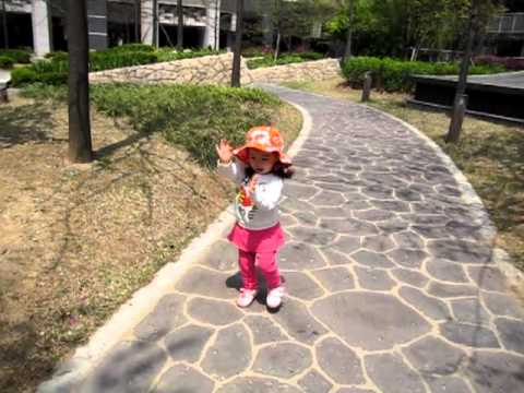 Baby Lauren Lunde Singing and Dancing
